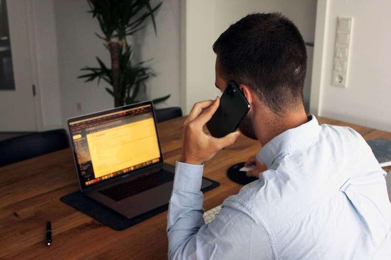Online Business aufbauen: Kundenkontakt
